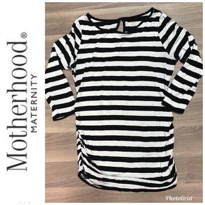 Motherhood Maternity 3/4 Sleeve Top